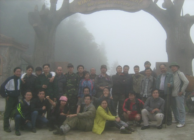 Đoàn TKC leo Fan. tập kết tại Trạm Tôn (trưa ngày 30/4)